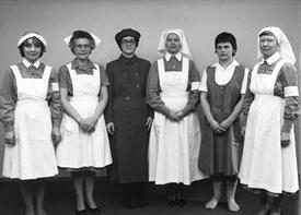 Hemvårdarinnorna begär obetald övertid hos Adolfs biverkan
